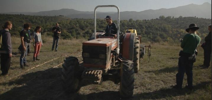 Tracteur avec charrue Yeomans